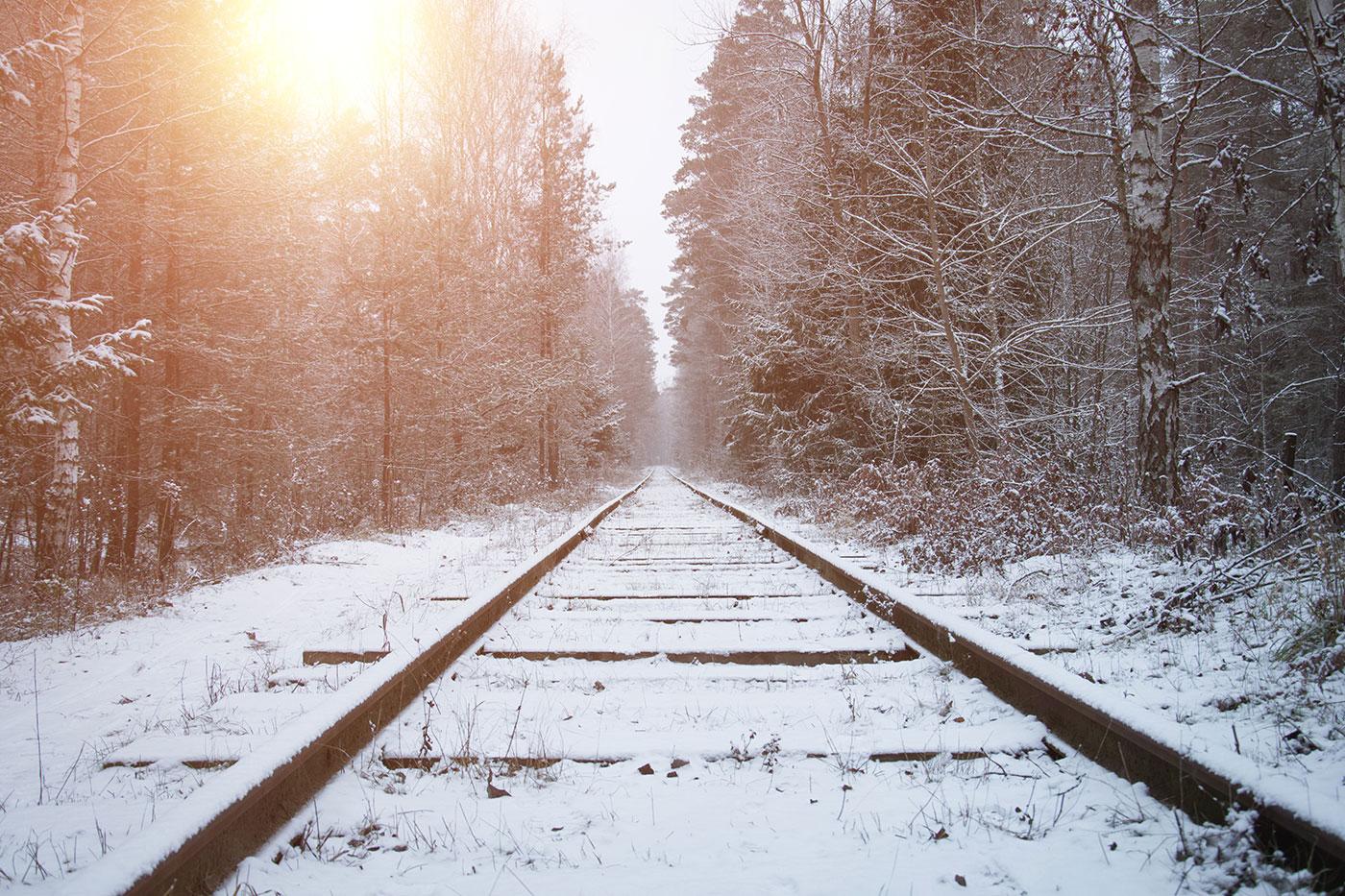 Illustrasjon av jernbaneskinner